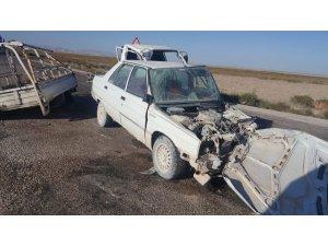 Karapınar'da Otomobil ile kamyonet çarpıştı: 4 yaralı