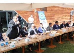 Aksaray'da muhtarlar il protokolü ile istişare toplantısında buluştu