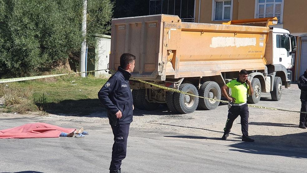 Ortaköy'de kamyonetin altında kalan vatandaş yaşamını yitirdi