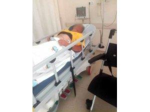 Ceviz çırparken elektrik akımına kapılıp yaralandı