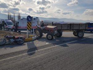 Konya'da motosikletle traktör çarpıştı: 1 ölü, 1 yaralı