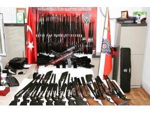 Konya'da bir araçta 78 adet tüfek ele geçirildi