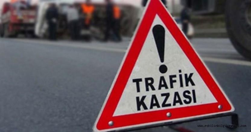 Eskil'de kaza! İlkokul Öğrencisine Otomobil Çarptı