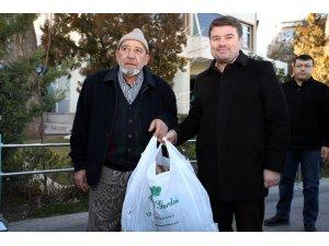 Aksaray Başkan Dinçer'in çağrısı ile Elazığ için tek yürek oldu