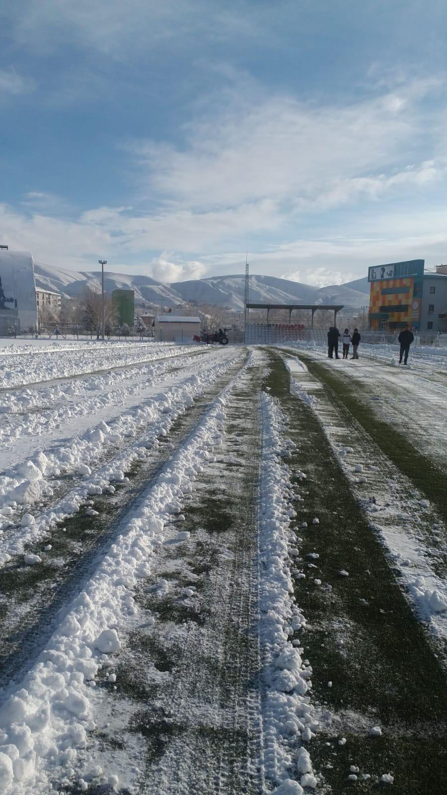 Kar Yağışı Maçları Tatil Etti