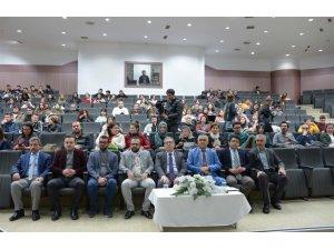 """Selçuk'ta """"Seyyahlardan ve Selçuklu Matbahından Rehberlere Sesleniş"""" konferansı"""