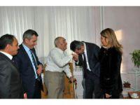 Kaymakam Sezgin'den En Yaşlı Öğretmen Çifte Ziyaret