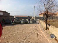 Yenikent'te Yol Çalışmaları Sürüyor