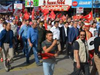 Aksaray'da binlerce kişi demokrasi ve şehitler için yürüdü