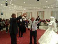 Nuran ve Uğur evlendi