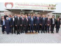 Ahmet Davutoğlu, KGTÜ'yü ziyaret etti