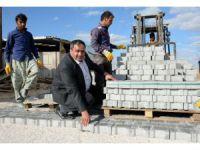 Aksaray'da köylerde parke taşı döşeme çalışmaları sürüyor