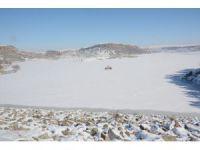 Aksaray'da Mamasın Barajı buz tuttu