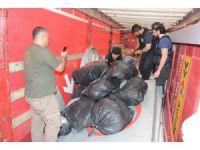 Aksaray'da hurda yüklü tırda 150 kilo esrar ele geçirildi