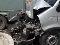 Eskilli aile Bozcamahmut'ta kaza yaptı: 3 yaralı