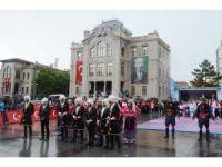 Aksaray'da yağmurlu 19 Mayıs coşkusu