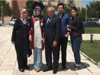 Alçay ailesinin mezuniyet sevinci