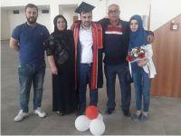Yalvaç çiftinin mezuniyet sevinci
