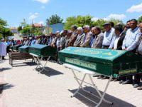 Konya'da öldürülen 5 kişi toprağa verildi