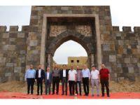 Direniş Karatay'a iş dünyasından destek
