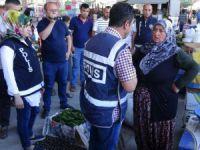 """""""ByLock"""" şüphelisi kadın semt pazarında sebze satarken yakalandı"""