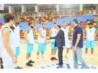 Başkan Altay'dan basketbol takımına ziyaret