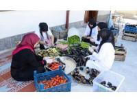 Bacıyan-ı Meram ev ekonomisine katkı sağlıyor