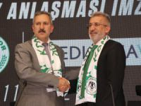 Medicana ile Atiker Konyaspor sağlık sponsorluğu anlaşmasını tazeledi