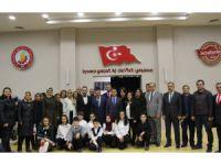 Başkan Tutal, 24 Kasım'da öğretmenleri unutmadı