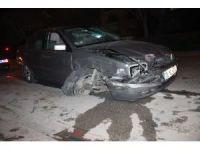 Alkollü sürücü otomobiliyle önce yayaya ardından 2 araca çarptı
