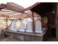 Somuncu Baba'ya Osmanlıca mezar taşı