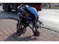 Karşıdan karşıya geçmek isteyen anne ve 2 yaşındaki çocuğu kazada ağır yaralandı