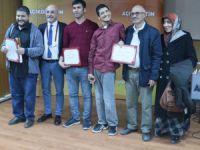 Anadolu Üniversitesi Aksaray'da öğrencilere başarı belgelerini verdi