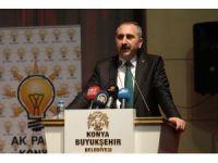 Adalet Bakanı Gül, siyaset akademisine katıldı