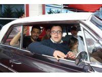 Konya'da özel gençlere klasik otomobillerle nostalji turu
