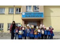 """ASEM üyelerinden """"Kardeş Okul""""a 2 bin kitap"""