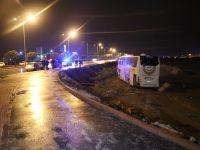 Konya-Aksaray yolu üzerinde yolcu otobüsü yoldan çıktı 18 yaralı