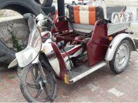 Eskil'de kamyonet engelli aracına çarptı: 2 yaralı