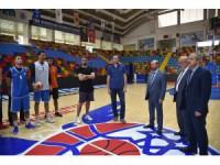Başkan Pekyatırmacı basketbol takımına güveniyor