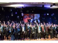 SÜ Sosyal Bilimler MYO'da mezuniyet coşkusu