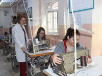Eskil'de giysi tadilat kursu açılıyor