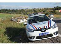Beyşehir'de otomobil şarampole takla attı: 3 yaralı