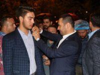 55 gence AK Parti rozeti takıldı