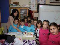 Minik yüreklerde öğretmenler günü heyecanı