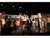 Akşehirli çocuklar Nasreddin Hoca tiyatrosuyla eğlendi