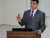 Yrd. Doç. Dr. Ömer ÇAKIN'dan Televizyon Haberciliği Eğitim Semineri