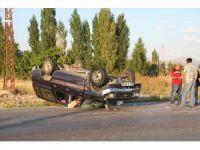 Otomobille Kamyonetin Çarpıştığı Kaza Güvenlik Kamerasında