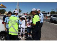 Kırmızı Düdüklü Çocuk Polisler İş Başında