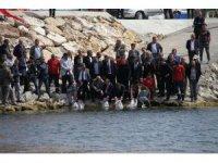 Beyşehir Gölü'ne 500 bin yavru sazan takviyesi
