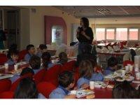 Öğrencilere beslenmenin önemi kahvaltıyla anlatıldı